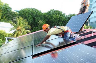 دوره آموزشی طراحی و نصب نیروگاه خورشیدی - 1
