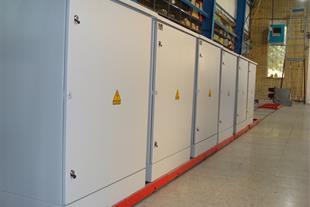 طراحی و ساخت انواع تابلوهای برق صنعتی