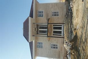 سبک سازی سقف شیب دار و اجرای طلق رنگی
