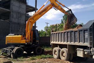 خاکبرداری و گودبرداری و تخریب ساختمان در مشهد مقدس