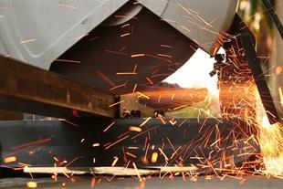 خدمات فنی ، مهندسی و ساخت قطعات صنعتی