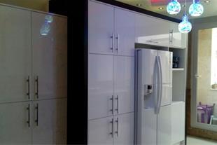 طراحی و ساخت کابینت و کمد دیواری