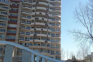 190 متر آپارتمان ساحلی مبله با پلاک اختصاصی دریا