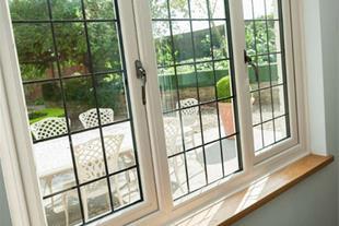 تولید و نصب اواع نرده و حفاظ پنجره ساختمان