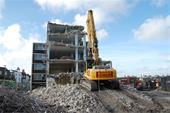 تخریب ساختمان های کلنگی در بجنورد