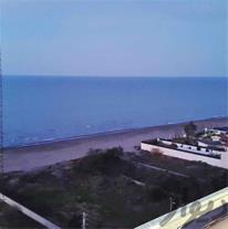 فروش آپارتمان ساحلی بادید کامل به دریا و مبله