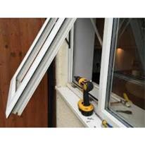 تعویض انواع در و پنجره قدیمی با پنجره دوجداره upvc