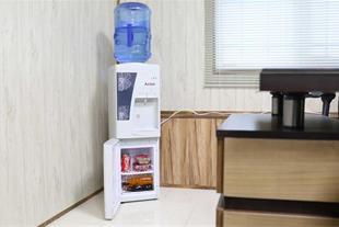 یخساز  - آب سرد کن - کارخانه یخ و انواع دستگاه یخ