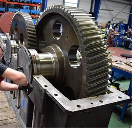 تعمیر گیربکس های صنعتی سایز های بزرگ و سنگین - 1
