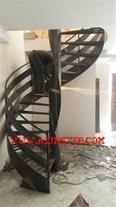 طراح و مجری انواع پله گرد-پیچ فلزی-چوبی