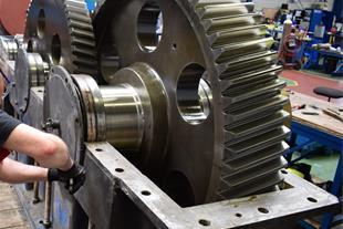 تعمیر گیربکس های صنعتی سایز های بزرگ و سنگین