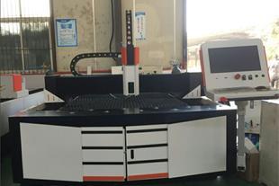 دستگاه لیزر فایبر برش آهن