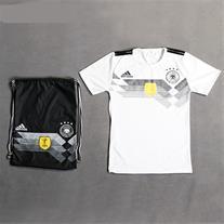 ست تی شرت و شوز بگ آلمان (Mzkala)