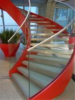 طراحی پله دوبلکس ، پله گرد دکوراتیو ، نرده