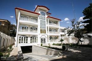 فروش خانه با 250 متر زمین بر بلوار توحید گلسار