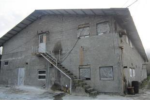 ساختمان 2 طبقه پرورش مرغ با زیربنا 1350 متر