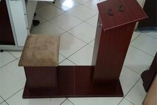 میز و صندلی نماز نشسته میز و صندلی نماز و نیایش