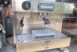 دستگاه اسپرسو بیزرا مدل T2018 اتوماتیک