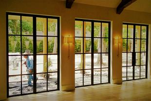 تولید و نصب انواع درب و  پنجره آهنی دوجداره