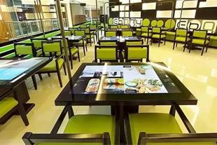 میز دیجیتال تمام لمسی سفارش غذا رستوران و کافی شاپ