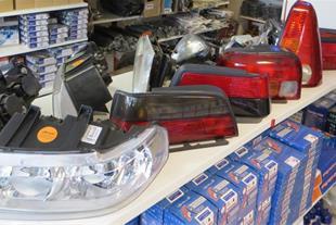 توزیع چراغ عقب و جلوی انواع خودروهای ایرانی